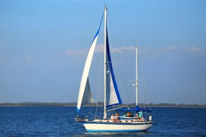 stay-afloat-with-these-tips-and-avoid-boating-accidents
