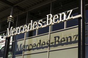 mercedez-benz-is-issuing-a-recall-that-poses-an-increased-risk-of-a-car-crash-happening