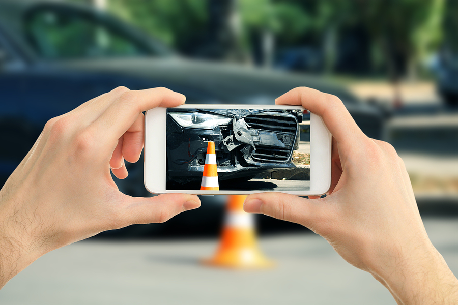the-importance-of-taking-car-accident-photos