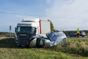the-complications-of-a-trucking-accident-2