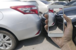 how-to-take-photographs-after-a-car-accident