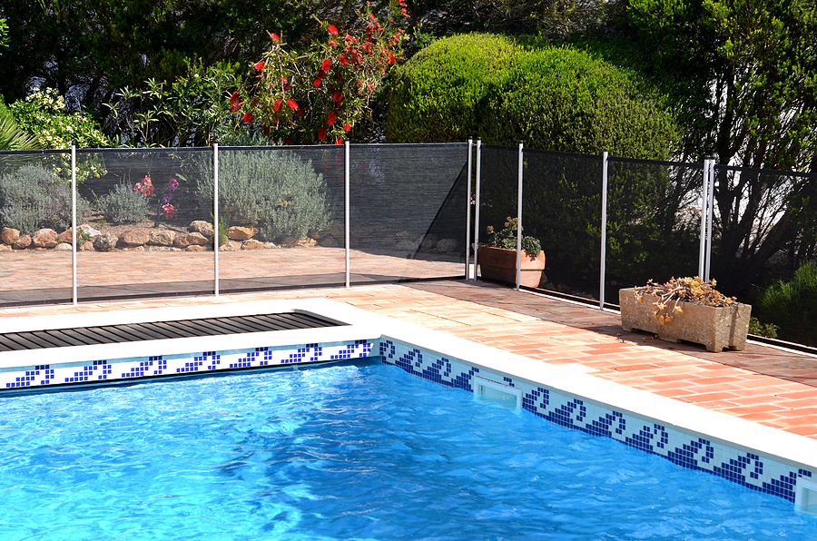 4-ways-to-make-your-swimming-pool-safer