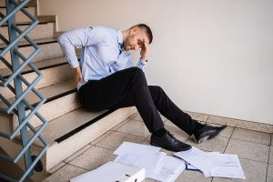 dealing-with-slip-and-fall-accidents-in-the-workplace
