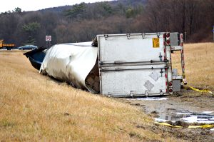 2-things-that-cause-tractor-trailer-crashes